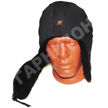 Шлем с искусственным мехом черного цвета со звездой